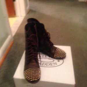 New* Steve Madden Tarnney combat boots size 7 1/2